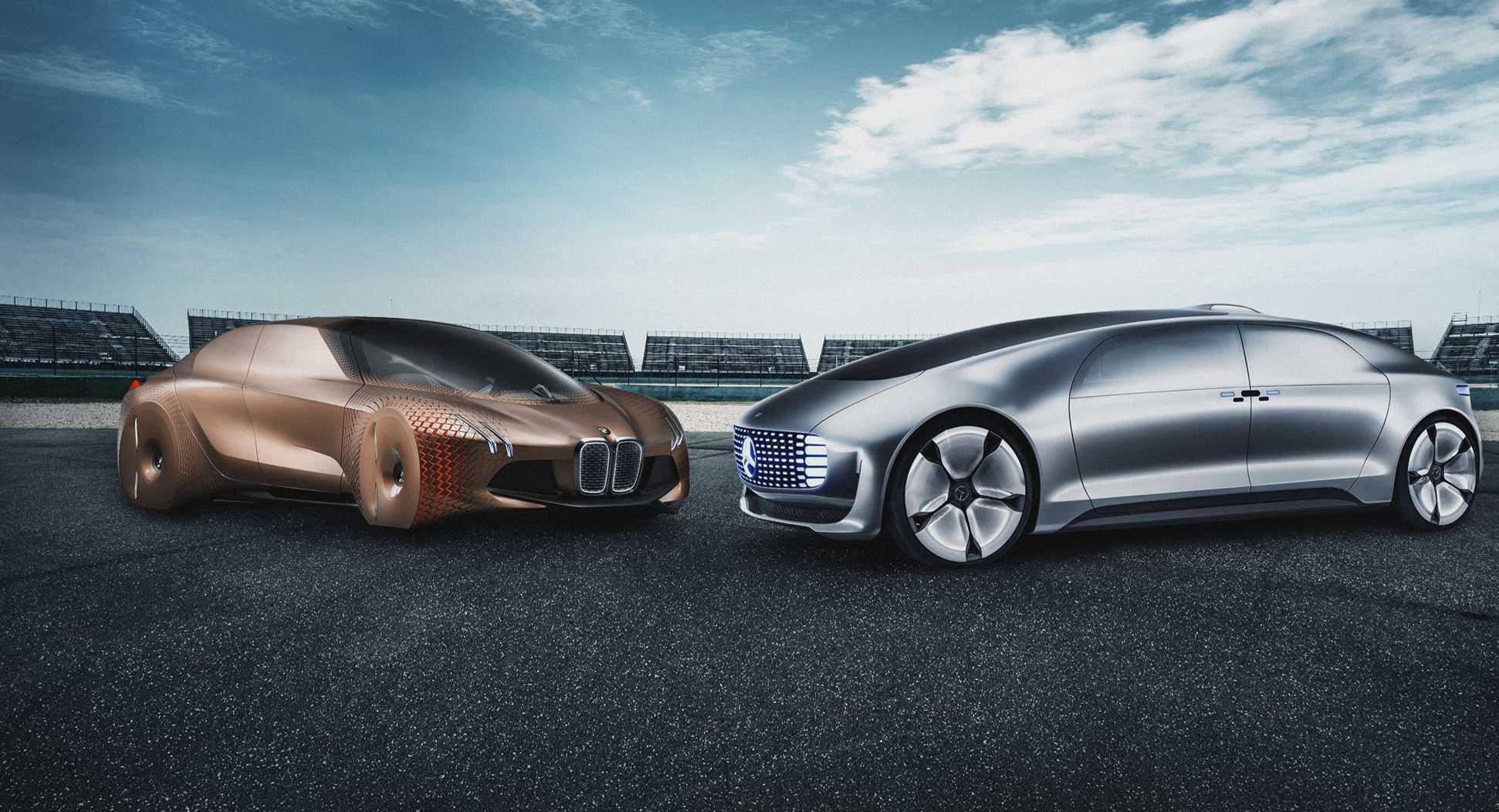 BMW ve Mercedes Benz'in otonom araç iş birliği Covid-19 nedeniyle rafa kaldırıldı.